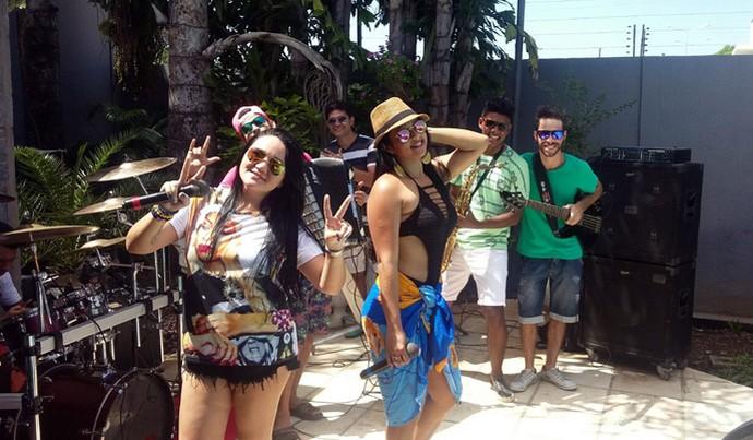 No 'Programão' em clima de férias, Minamora lança nova música de trabalho (Foto: Gshow/Rede Clube)