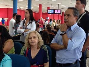 Passageiros ficaram revoltados com a mudança de trajeto (Foto: Mariane Rossi/G1)