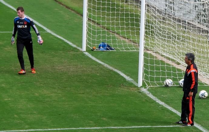 Ney Franco Paulo Victor Flamengo treino (Foto: Hector Werlang)