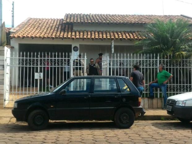 Roubo aconteceu em frente ao Ministério do Trabalho em Boa Esperança (MG) (Foto: Reprodução EPTV)