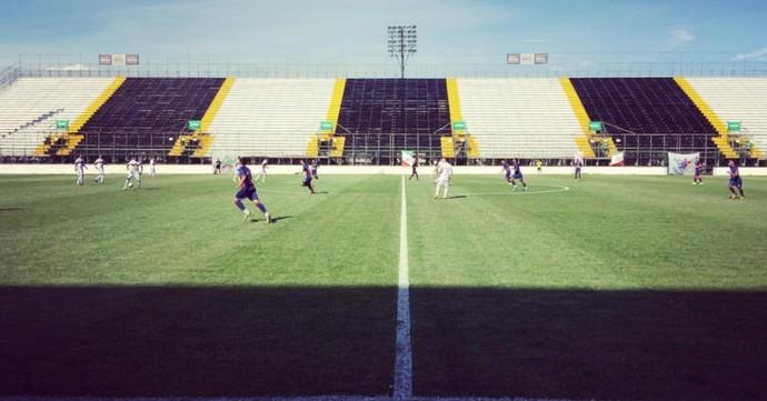 portuguesa x friburguense, arena botafogo (Foto: Alexandre Vaz)