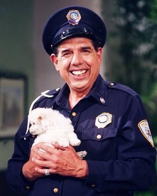 Rubén Aguirre como o amoroso Sargento Refúgio em Los Caquitos (Foto: Reprodução/Facebook)