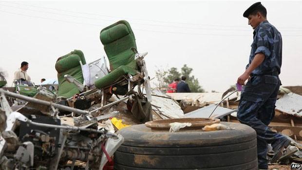 Mais de 100 pessoas morreram quando este avião da Afriqiyah Airways caiu em Trípoli, na Líbia, em 2010 (Foto: AFP)