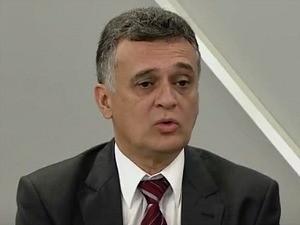 Prefeito Audifax Barcelos reduz próprio salário e da vice na Serra, Espírito santo (Foto: Reprodução/ TV Gazeta)