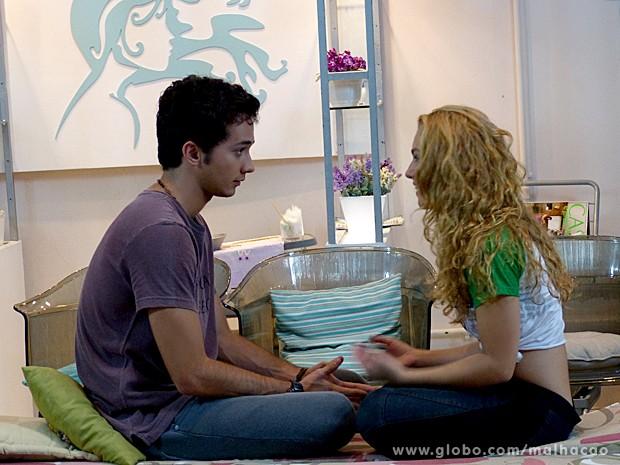 Meg diz para o ex-namorado que não vai falar sobre o assunto (Foto: Malhação / TV Globo)