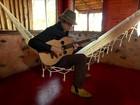 Almir Sater busca dentro do campo a inspiração para compor suas músicas