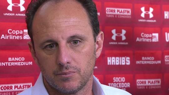 Ceni lamenta ter poupado Cueva, não exclui Everton Ribeiro e elogia Thomaz