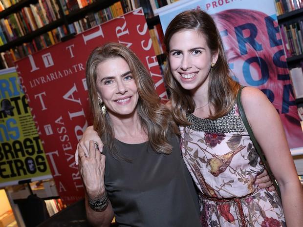 Maitê Proença e a filha, Maria Proença, em livraria no Leblon, Zona Sul do Rio (Foto: Murillo Tinoco/ Divulgação)