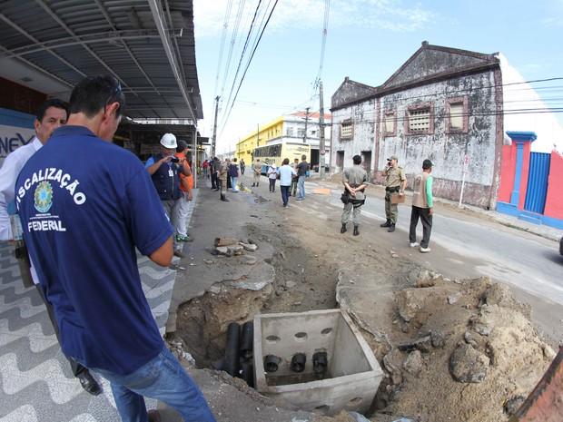 Encontradas irregularidades no percurso do Galo da Madrugada  (Foto: Aldo Carneiro/ Pernambuco Press)