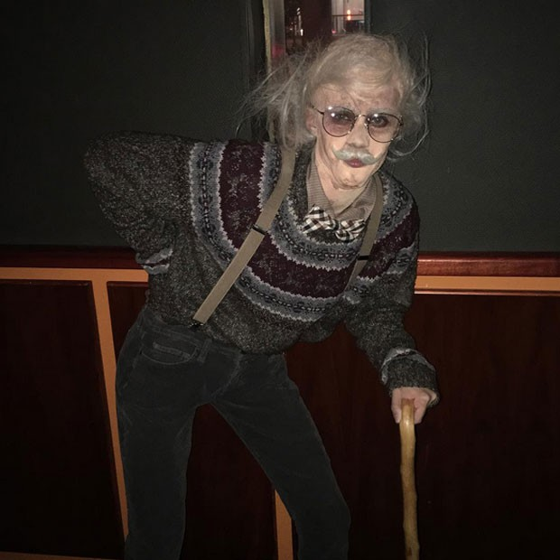 Sara Sampaio fantasiada em festa de Halloween em Nova York, nos Estados Unidos (Foto: Instagram/ Reprodução)