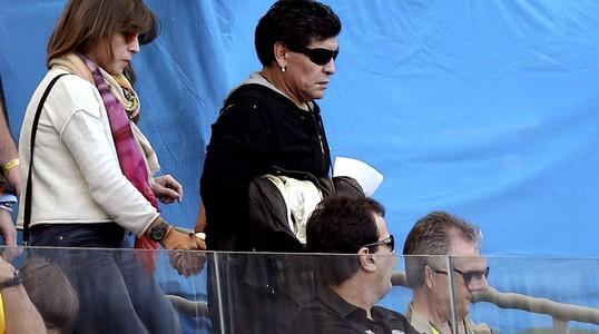 Internasional Piala Dunia  - Maradona Pulang Duluan, Lionel Messi Langsung Cetak Gol