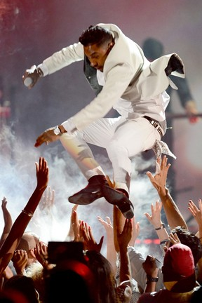 Miguel se apresenta no Billboard Music Awards (Foto: Ethan Miller/ Getty Images/ AFP)