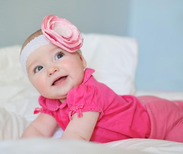 Bebê com faixa de cabelo: pode usar?  (Foto: Thinkstock)