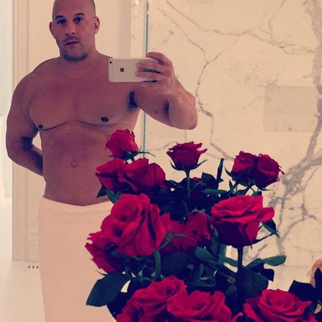Vin diesel faz selfie s de toalha ao lado de rosas - Dave sparks instagram ...