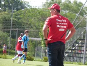 Clemer, técnico dos juvenis do Inter (Foto: Guilherme Araujo / TXT, DVG)