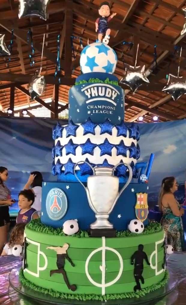 O bolo do aniversário de Yhudy (Foto: Reprodução)