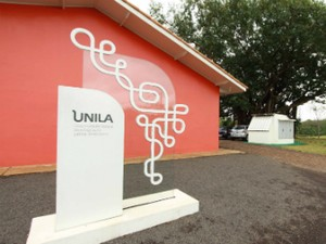 Matrícula deve ser feita na sede da universidade, em Foz do Iguaçu, das 8h30 às 16h30 (Foto: Unila / Divulgação)