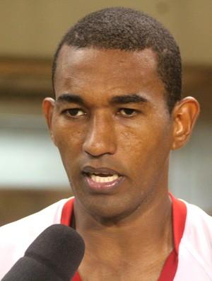 Juliano César, atacante do Rio Branco-AC (Foto: João Paulo Maia)