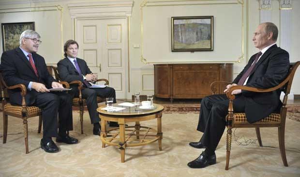 O presidente russo, Vladimir Putin, durante entrevista em Moscou. (Foto: Alexei Druzhinin / RIA Novosti / Kremlin / Via Reuters)