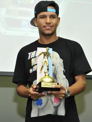 Carlos Vitor (Desportiva Ferrovirária) foi eleito o melhor meia esquerda do Campeonato Capixaba 2013 (Foto: Bruno Coelho)