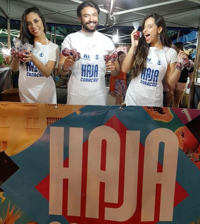 TV Anhanguera promove ação em feira aberta para divulgar 'Haja Coração'  (Foto: TV Anhanguera)