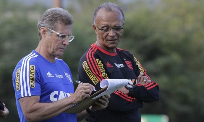 Oswaldo de Oliveira treino Flamengo (Foto: Gilvan de Souza / Flamengo)