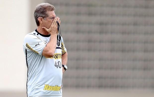 Oswaldo de Oliveira no treino do Botafogo (Foto: Alexandre Cassiano / Ag. O Globo)