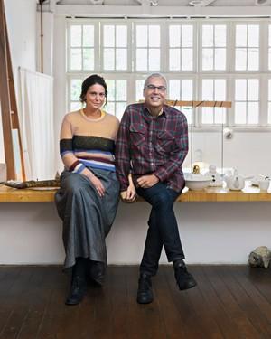 Daniela Scorza e Caio de Medeiros F., donos do Estudio Manus (Foto: Alexandre Disaro /  Editora Globo)