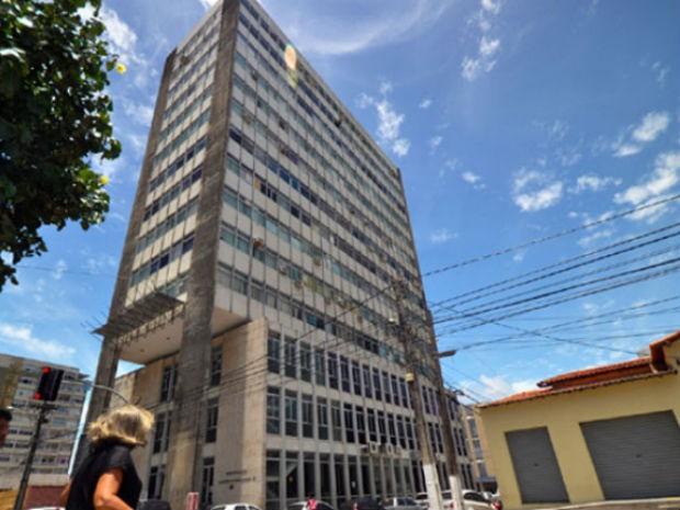 Se não for desocupado, prédio será interditado (Foto: Magnus Nascimento/Tribuna do Norte)