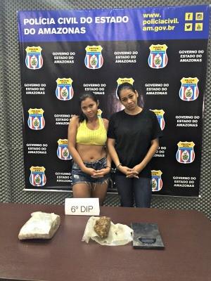 Luana (esq) e Aline posaram para fotos da Polícia Civil (Foto: Polícia Civil/ Divulgação)