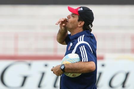 Régis Angeli, técnico do Botafogo-SP (Foto: Rogério Moroti/Ag. Botafogo)