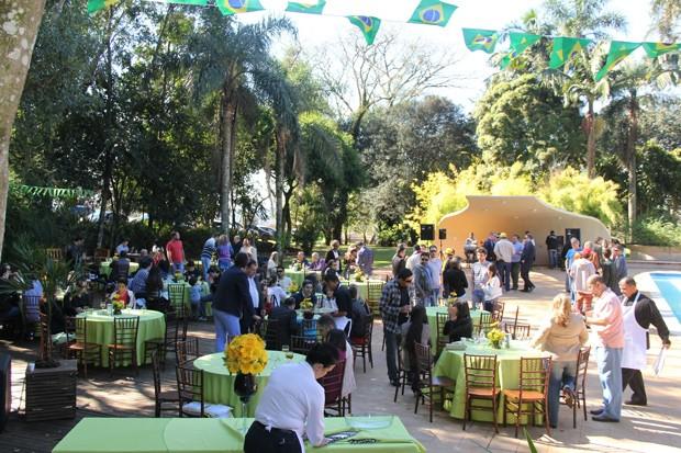 Em Cascavel, a comemoração foi em um clube (Foto: Divulgação/RPC TV)