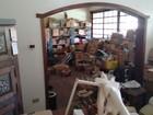 Justiça determina limpeza em casa cheia de entulhos em Bom Despacho