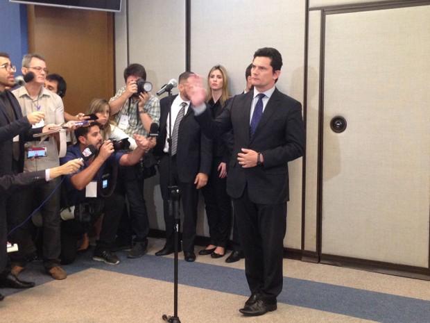 Sergio Moro, juiz da Lava Jato durante rápido pronunciamento no TRF-4 (Foto: Rafaella Fraga/G1)