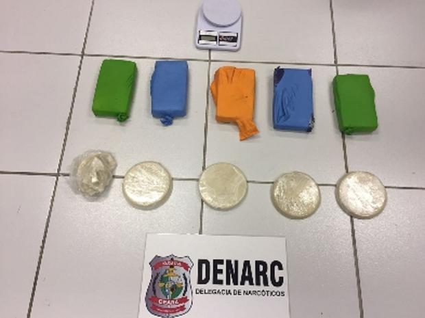 Polícia apreende oito quilos de drogas e prende quatro pessoas em Fortaleza