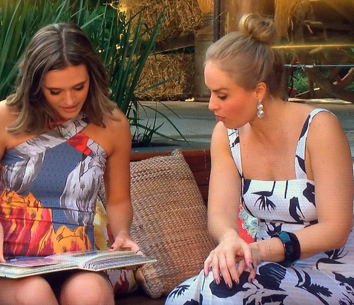 Angélica confere coleção de ingressos de Juliana Paiva (Foto: TV Globo)