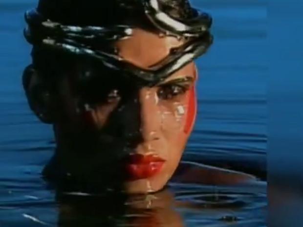 Isadora foi a musa que marcou a abertura do fantástico na década de 1990 (Foto: Reprodução/RPC)