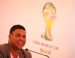 Ronaldo brasil copa 2014 (Foto: Mowa Press)