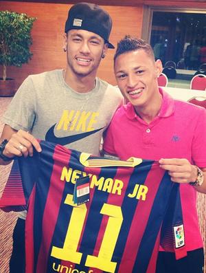 f5447fd16c Neymar e Neilton - Barcelona (Foto  Reprodução Instagram)