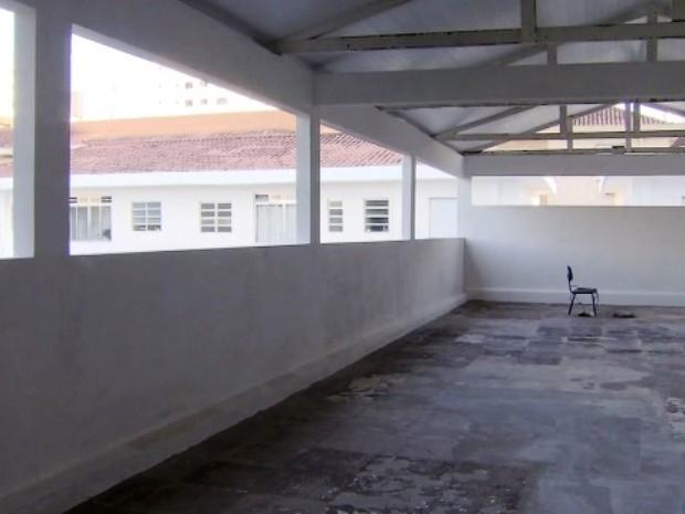 Salão na parte superior será reaberto para musculação (Foto: Reprodução / TV Tribuna)