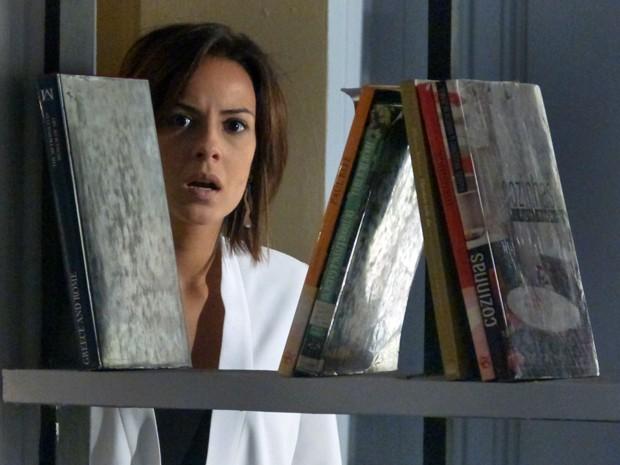 Clara fica chocada com traição de Patrício (Foto: Fabio Rosso/ Gshow)