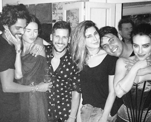André Nicolau, Thaila Ayala, Caio Braz, Fernanda Paes Leme, Bruno De Luca e Cleo Pires (Foto: Reprodução/Instagram)