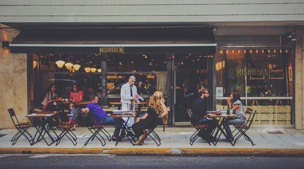 Garçom, gorjeta, atendimento, restaurante (Foto: Reprodução/Pexels)