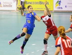 Amanda Andrade vitória Brasil handebol contra Estados Unidos (Foto: Cinara Piccolo / Photo&Grafia)
