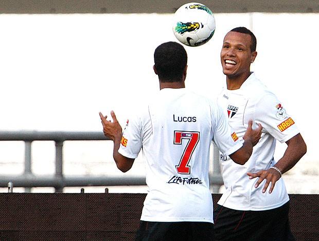 Luis Fabiano e Lucas no treino do São Paulo (Foto: Tarso Sarraf / Ag. Estado)