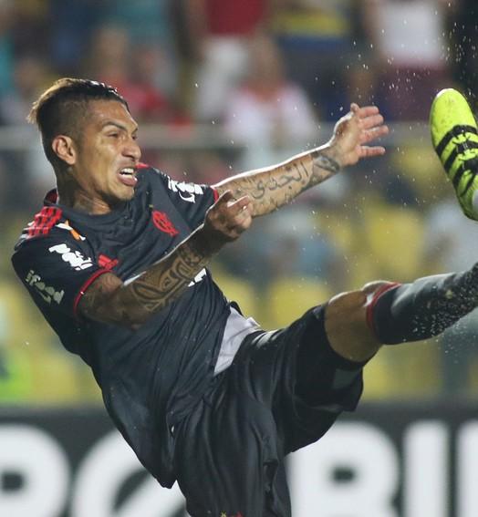 vitória suada (Gilvan de Souza/Flamengo)