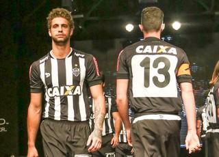 Atlético-MG lança novo uniforme para 2016 (Foto: Bruno Cantini/CAM)