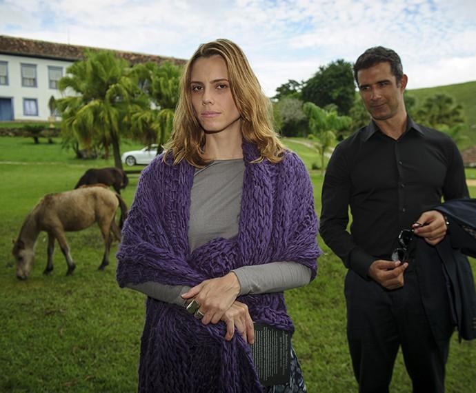 Lívia ao lado do seu companheiro Marcos Pasquim, em Saramandaia  (Foto: Alex Carvalho / TV Globo)