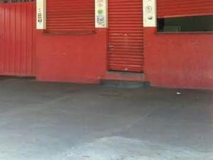 Estebelecimento estava encerrando o expediente, segundo proprietário (Foto: Mariane Peres/G1)