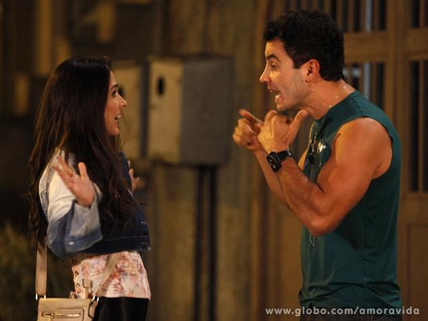 Carlito fica revoltado com o beijo (Foto: Amor à Vida/TV Globo)